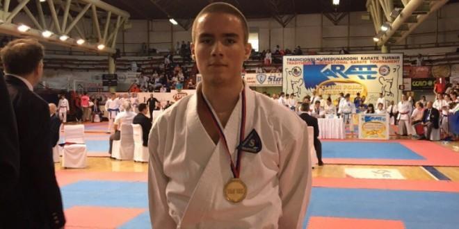 Zivković prvi na Zlatnom Pojasu Čačka