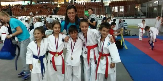 Uspešni u Novom Sadu, 8 medalja za početak sezone