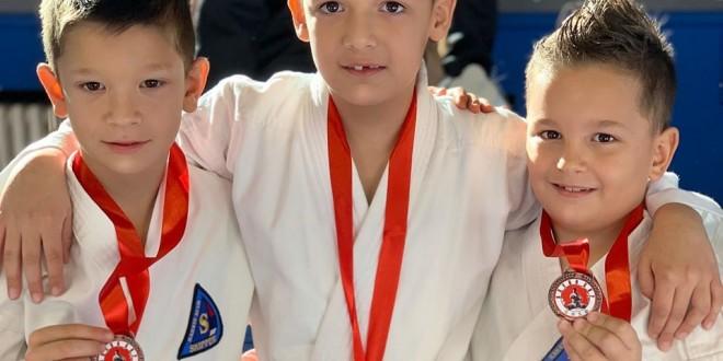 Arena Kup 2019. 4 medalje za najmlađe.